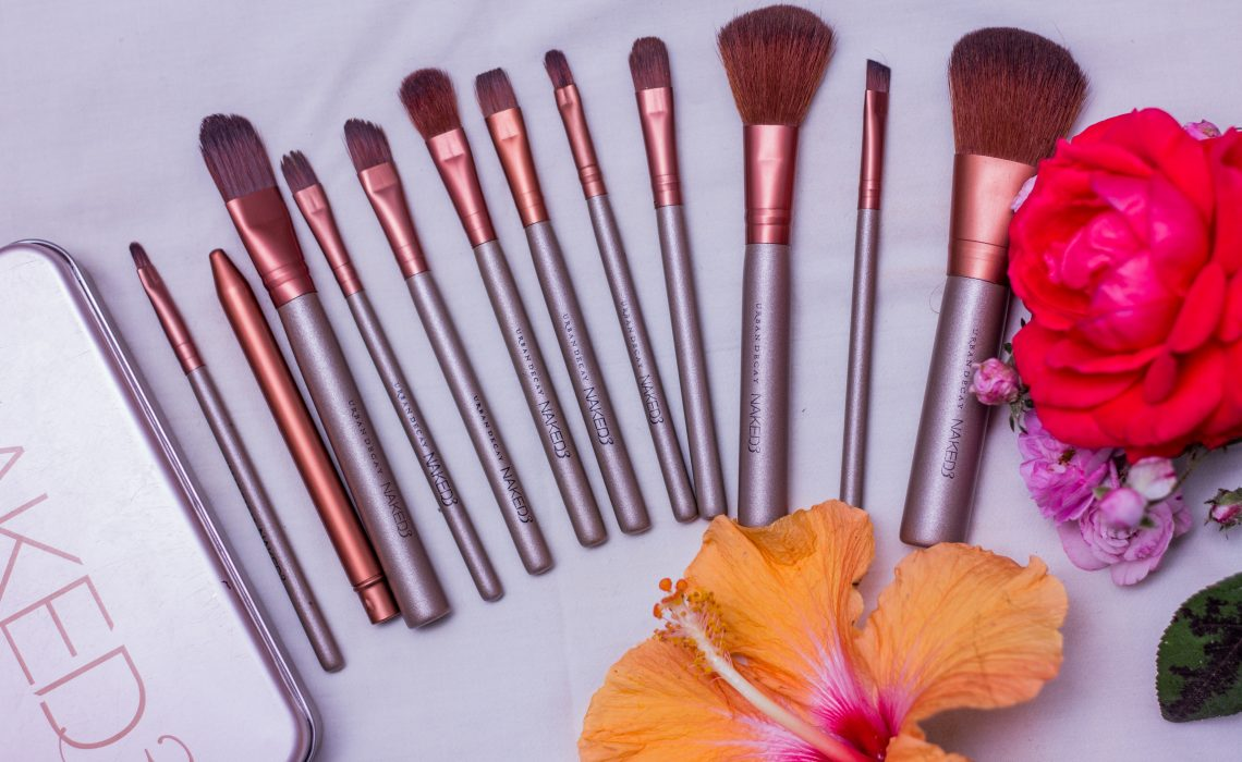 For today's post, I'm going to talk about my first review on Urban Decay's Naked 3 makeup brushes. I have had this brushes for a long time and ...